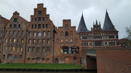 Holstentor in der historischen Stadt Lübeck